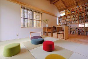 ライフスタイルに合わせて家具で間取り変えられる